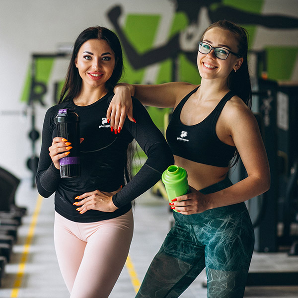 Atlete con abbigliamento Platinum Nutrition